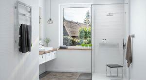 Idealna łazienka? Powinna być nie tylko piękna i estetyczna, ale też funkcjonalna. Ta ostatnia cecha szczególnie zyskuje na wartości, gdy wraz z upływem lat zaczynamy doceniać wygodę lub gdy chcemy ułatwić korzystanie z łazienki domownikom w p