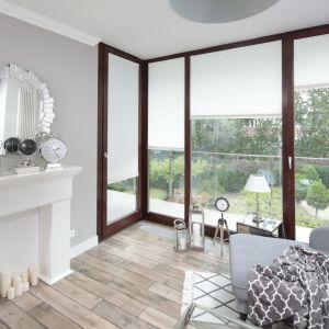 Piękny salon w stylu klasycznym. Projekt: Wioleta Wójcik-Maciuszek. Fot. Bartosz Jarosz
