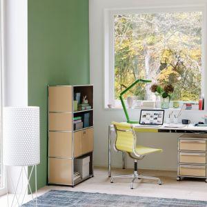 Meble modułowe umożliwiają kreatywne rozwiązania aranżacji domowego biura. Fot. Mood Design