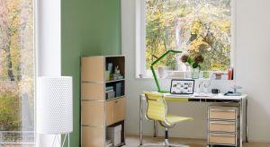 Stanowisko pracy ulokowane w domu staje się de facto częścią naszej prywatnej strefy życia. Ważne jest zatem, by jego wygląd harmonizował z aranżacją całego wnętrza.