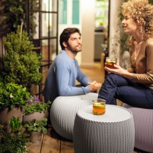 Funkcjonalne meble na mały balkon: Urban Knit Set. Fot. Keter