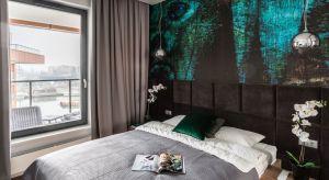 O wygodzie łóżka decyduje nie tylko materac. Miłośnicy czytania przed snem i leniwych poranków z kawą w sypialni docenią komfortowy zagłówek.