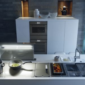 Wyposażenie kuchni: urządzenia z linii Frames By Franke. Fot. Franke