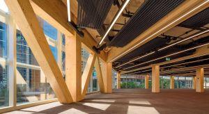 W nowej dzielnicy biurowej Sydney, Barangaroo, postał unikatowy budynek spełniający najwyższe standardy zielonego budownictwa. International House to znakomity przykład innowacyjnego projektowania: sześciopiętrowy biurowiec wykonano w dużej mierze