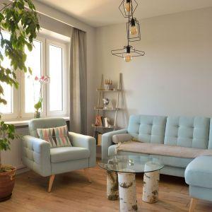 Fotel w salonie. Projekt i zdjęcia: Szymon Kamiński / Koncept Beautiful Inside