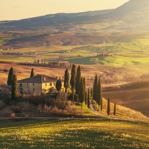 Urok włoskich posiadłości to efekt połączenia prostoty i wyrafinowania. Fot. 123rtf.com