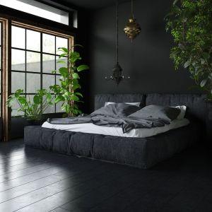 Total look w sypialni - tutaj zdecydowano się na czerń. Fot. Polifarb Kalisz