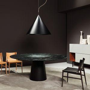 Stół Materic (Porro) zaprojektowany został przez Piero Lissoniego. Fot. Porro