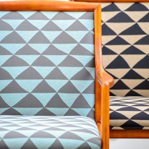 Fotel Lubke z geometrycznym deseniem na tapicerce. Fot. SH Studio