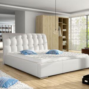 Na komfortowy sen podczas upałów ma wpływ wiele czynników, ale jednym z kluczowych jest odpowiednie przygotowanie sypialni i łóżka. Fot. Comforteo