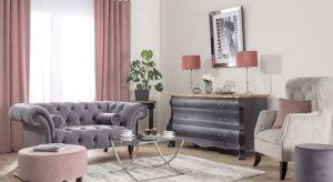 Nowojorskie apartamenty słyną z elegancji i luksusu. By urządzić wnętrze o takim charakterze, postaw na odpowiednie materiały, klasyczne meble oraz szkło i srebro. Podpowiadamy, jak zaaranżować mieszkanie, w którym poczujesz się jak nowojorczyk