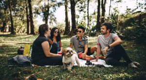 Podczas planowania spotkania z przyjaciółmi na świeżym powietrzu zadbaj o detale.