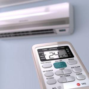 Możemy wybierać pomiędzy klimatyzatorami ściennymi, przypodłogowymi oraz kasetonowymi, które umieszczane są w konstrukcji sufitu podwieszanego. Nowoczesne klimatyzatory posiadają funkcję cichej pracy w trybie chłodzenia, dzięki czemu poziom hałasu jest zredukowany do minimum. Fot. CentroClima