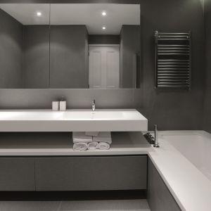 Spieki kwarcowe w łazience. Fot. Laminam
