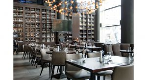 Restauracja Prime Cut to nowatorski steak house łączący w sobie nowojorską klasykę z elementami kuchni europejskiej. O wyzwaniu, jakim było zaprojektowanie tej przestrzeni rozmawiamy z Pawłem Bieńkowskim, architektem wnętrz.