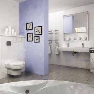 W łazience dominuje biel połączona z modnym odcieniem niebieskiego. Dom Turkawka II. Projekt: arch. Maja Klimowicz. Fot. Dom Dla Ciebie Pracownia Projektowa Archeco