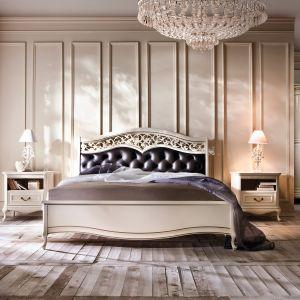 Tapicerowany zagłówek jest głównym elementem eleganckiej kolekcji mebli do sypialni Verona marki Taranko. Fot. Taranko