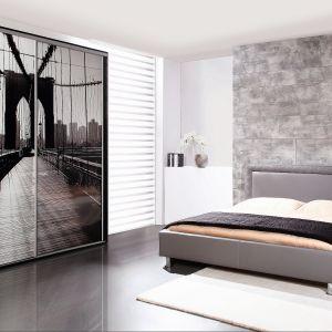 Pikowane obramowanie wezgłowia w łóżku Pik z oferty Wajnert Meble nadaje mu klasyczny i elegancki wygląd. Fot. Wajnert Meble