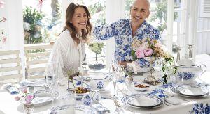 Dzięki zachwycającej ponadczasowej kompozycji ciemnoniebieskich elementów zastawy z jasnymi, nowy porcelanowy serwis sprawia, że aranżacja stołu tchnie lekkością i świeżością.