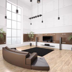 Podłogi idealnie wpisujące się w męski klimat charakteryzuje stylowy, drewniany dekor i ciekawa struktura synchroniczna. Fot. Ruck Zuck