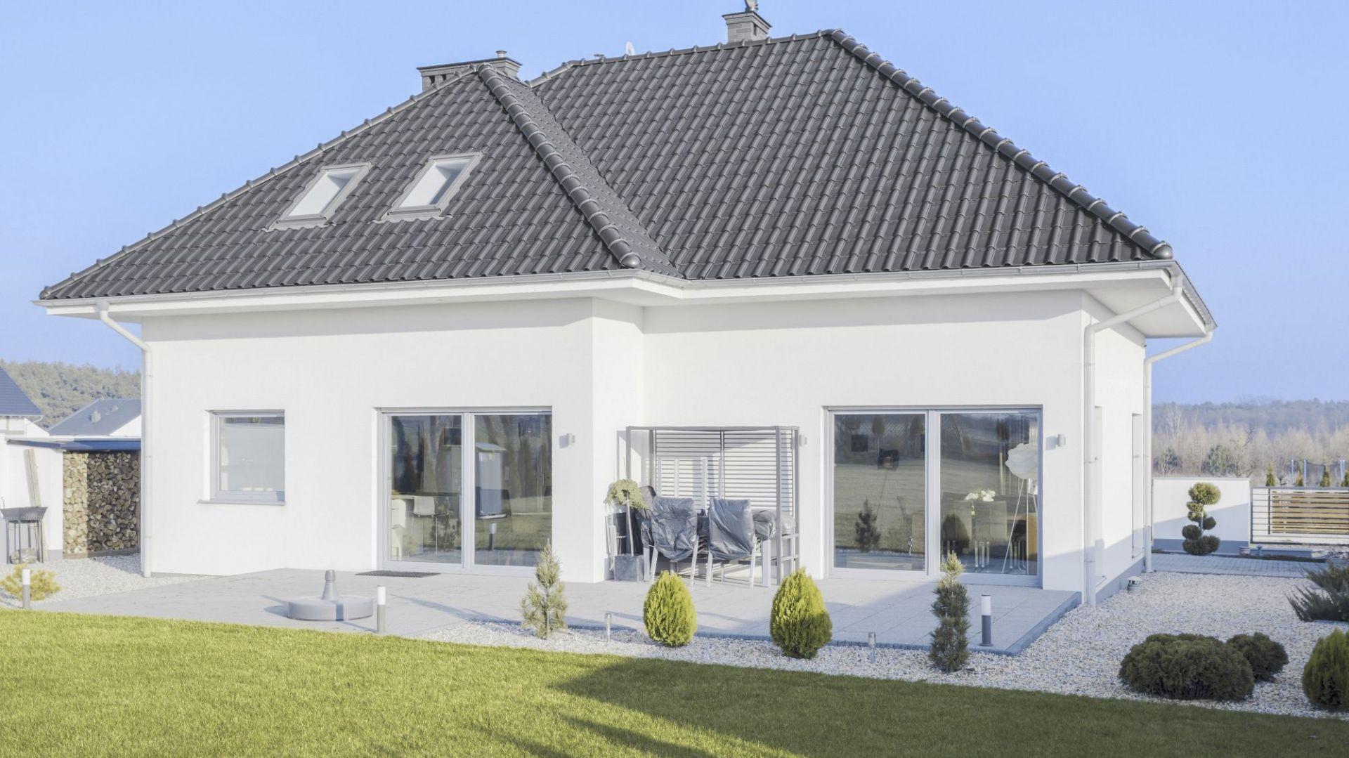 Duży wybór blaszanych pokryć dachowych sprawia, że jest to materiał bardzo zróżnicowany pod względem wyglądu. Fot. Regamet