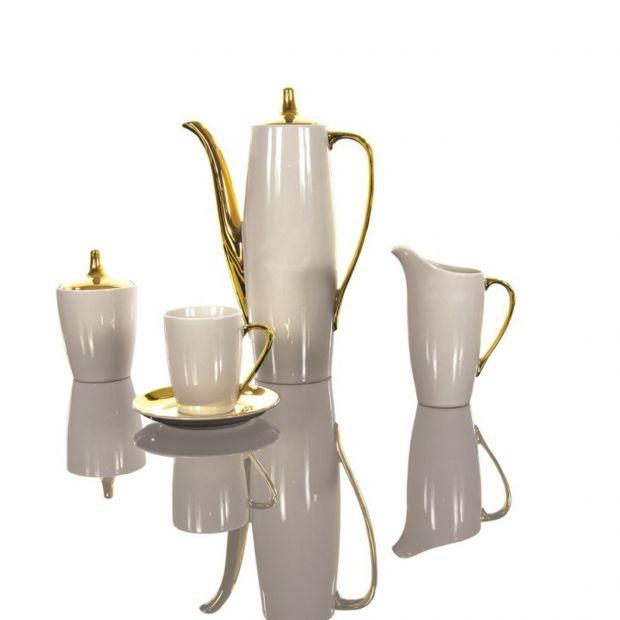 Serwis kawowy z klasycznej porcelany