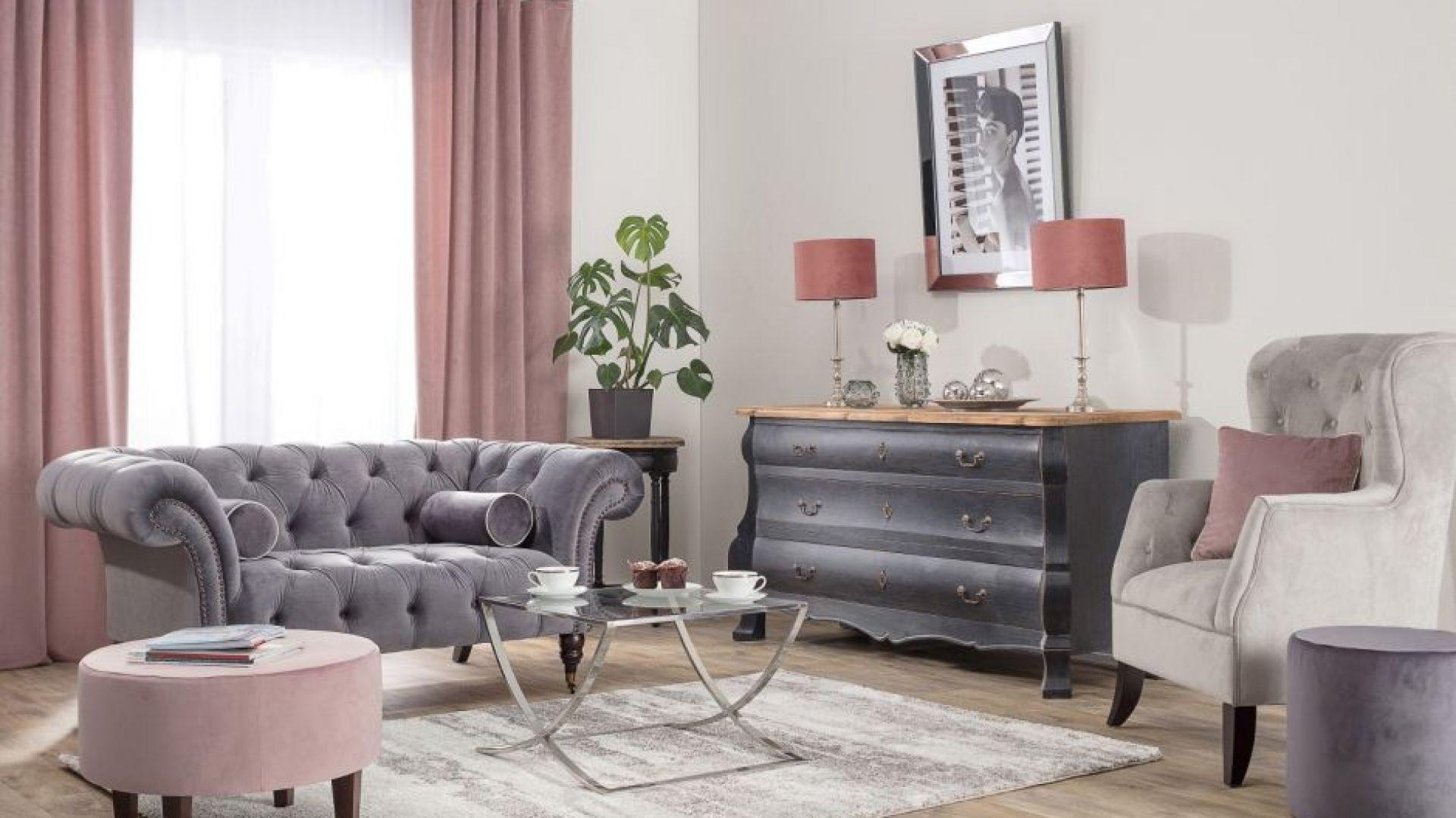 Dekoria.pl, zasłona na szelkach i podnóżek okrągły, kolekcja tkanin Velvet, fotel Harris Velvet Light Grey.jpg