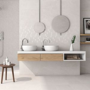Jasne płytki do łazienki - trendy na 2018 rok. Fot. Unicer