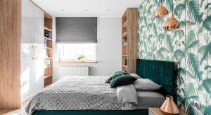 Butelkowa zieleń może stanowićefektowną alternatywę dla stonowanych kolorów skandynawskiego minimalizmu. Ten szlachetny odcień podkreśli ponadczasową elegancję sypialni i nada wnętrzu niepowtarzalnego charakteru.