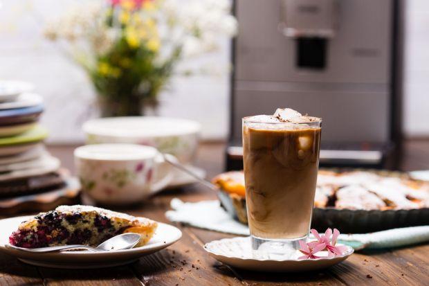 Sposób na upały: ciekawe przepisy na mrożoną kawę