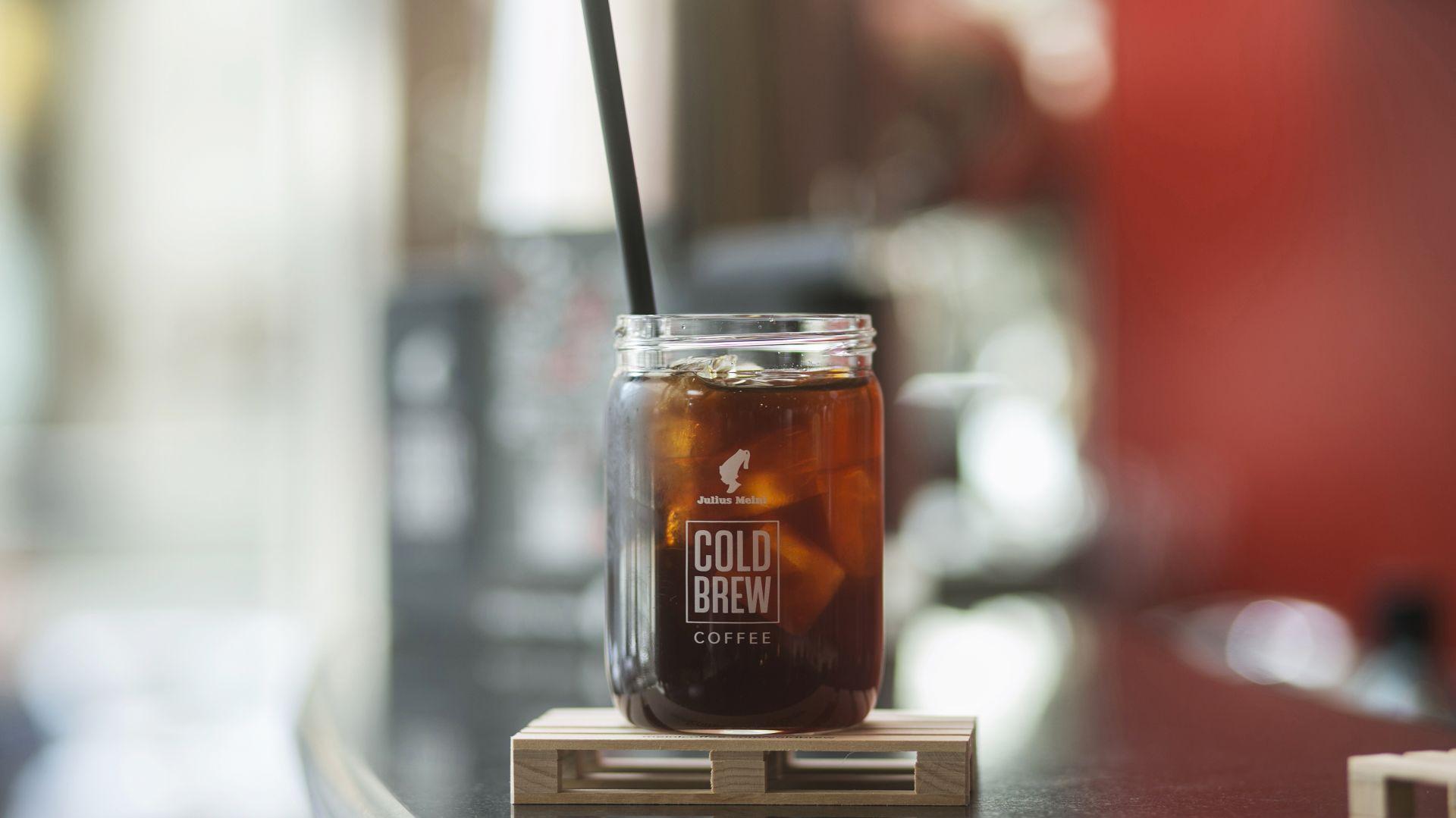 Mrożona kawa - idealna na upały. Fot. Julius Meinl Coffee Group
