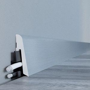 Wykończenie podłogi - jak wybrać listwy przypodłogowe: listwa One. Fot. Arbiton