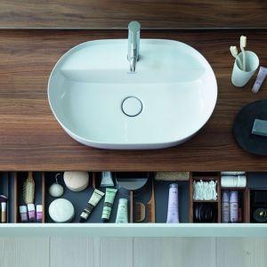 Aranżacja łazienki - meble z akcesoriami do przechowywania: organizer Luv. Fot. Duravit