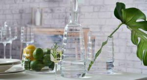 Przedmioty szklane z linii Reflection są ozdobione optykiem kratką, który sprawia, że pięknie odbijają się w nim refleksy świetlne.Produkt zgłoszony do konkursu Dobry Design 2019.