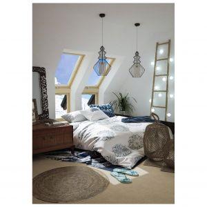 Okna charakteryzujące się wysokim współczynnikiem tłumienia hałasu (Rw) warto zamontować zwłaszcza w sypialni. Fot. Okpol