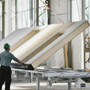 Prefabrykaty w fabryce. Fot. Multicomfort Saint-Gobain EcoReadyHouse