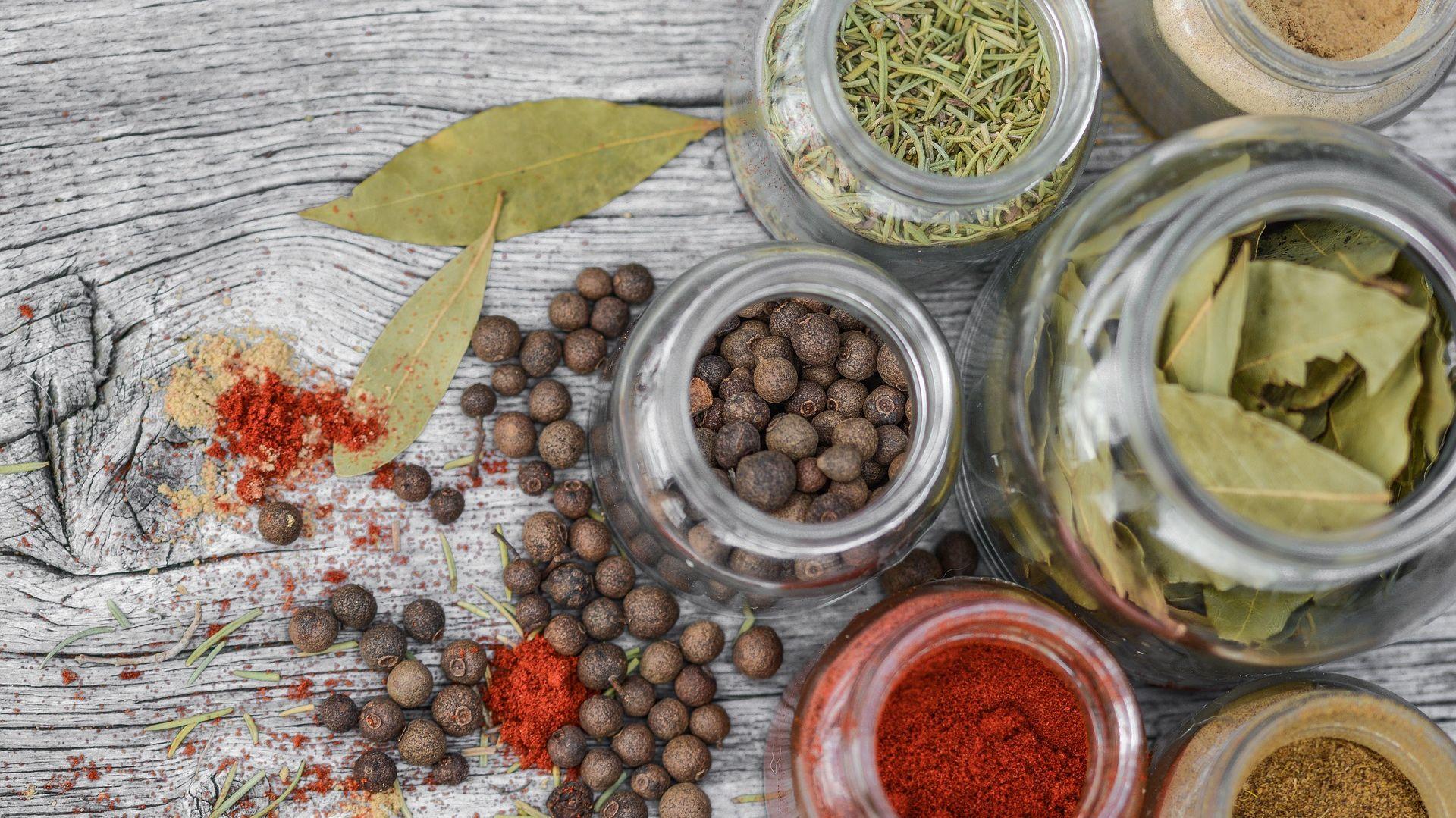 Domowa apteczka - jak wykorzystać zioła w kuchni. Fot. Pixabay