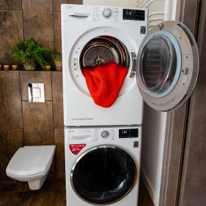 Nowe suszarki LG można stawiać na pralkach, dzięki czemu urządzenie nie zajmie dodatkowego miejsca i stworzy spójny stylistycznie zestaw. Fot. LG