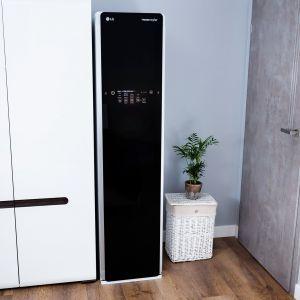 LG jest Styler, urządzenie, które dzięki technologii True Steam może w ciągu 30 minut gruntownie odświeżyć używane ubranie. Fot. LG