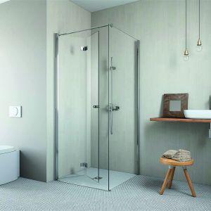 Dedykowana do łazienek w bloku kabina prysznicowa Essenza KDJ B dostępna w ofercie firmy Radaway. Fot. Radaway