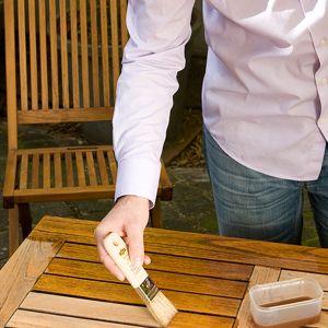 Impregnacja mebli ogrodowych - olejowanie. Fot. V33