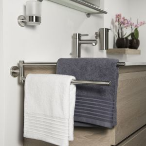 Nowoczesna łazienka - niezbędne akcesoria. Fot. Coram