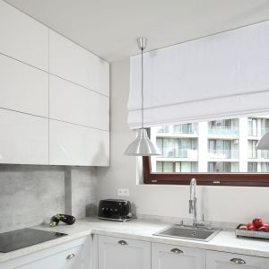 Ściana nad blatem w kuchni. Projekt: Wioletta Wójcik. Fot. Bartosz Jarosz