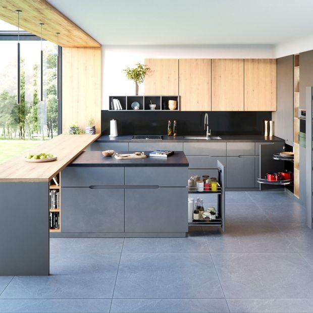 Zabudowa kuchni - pomysł na rogowe szafki