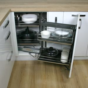 Zabudowa kuchni - pomysły na szafki narożne. Fot. Rejs