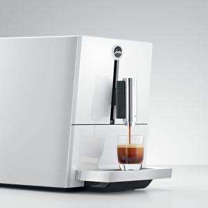 Dla kawowych purystów idealnym ekspresem do kawy będzie model JURA A1. Fot. JURA