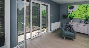 Na funkcjonalność budynku wpływa wiele elementów, w tym także układ jego pomieszczeń orazodpowiednie dopasowanie przeszkleń. Mają one również duże znaczenie dla energooszczędności obiektu i komfortu domowników.