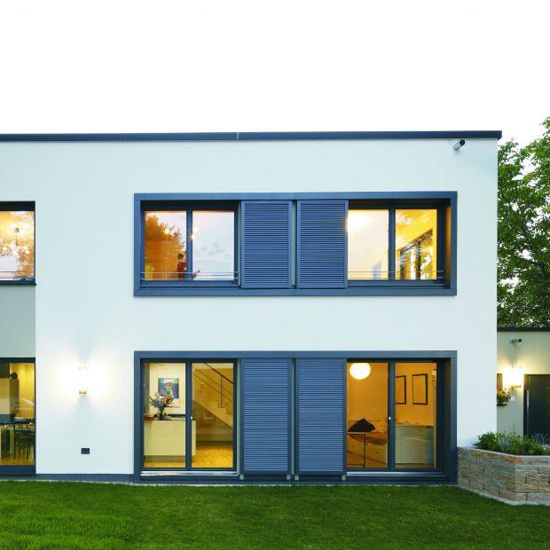 Nowoczesny dom - duże okna z PVC