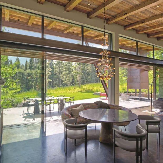 Niezwykła rezydencja w górach Montany - zobacz piękne wnętrza