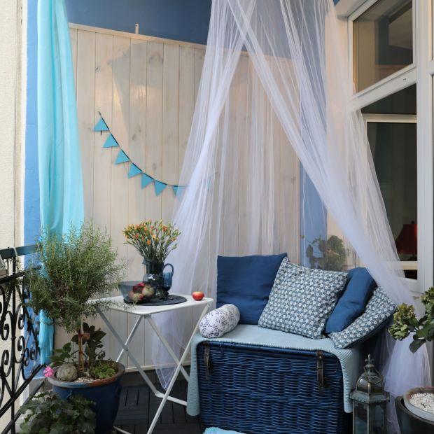 Aranżacja balkonu w greckim klimacie - zobacz koniecznie!